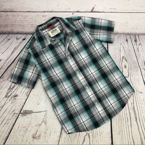 😍 Like New! Boys Urban Pipeline Button Down Shirt